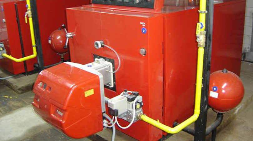 Renovar la caldera de la calefacción y el agua caliente sanitaria comunitarias.